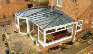 P-Shaped conservatory with a Livinroof